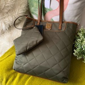 Tommy Hilfiger tote and pouch